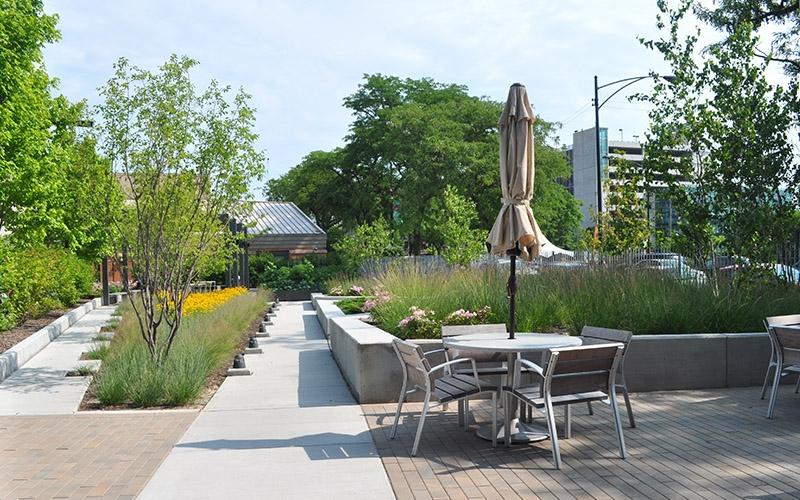 The Burnham patio and courtyard