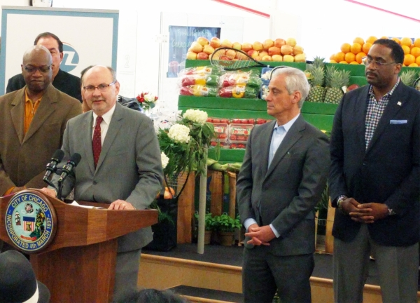 Senior VP Bill Eager speaking at market opening